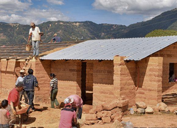 RECONSTRUCCIÓN DEL HÁBITAT EN LA MONTAÑA DE GUERRERO