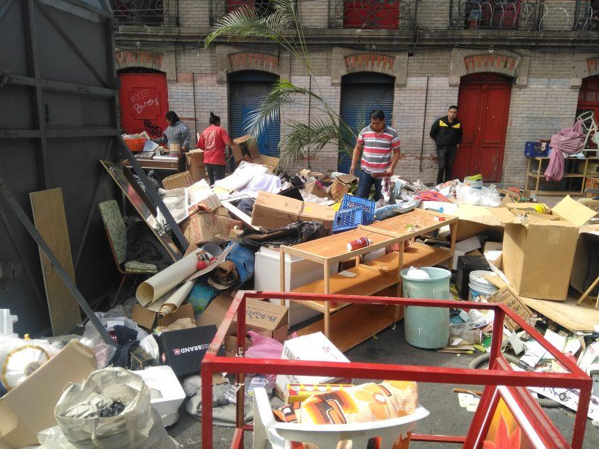 México – Desalojo violento en antiguo edificio histórico en la Ciudad de México