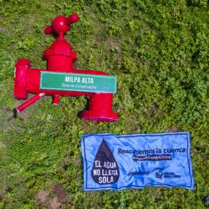 México: Urgen activistas con grifo gigante a restaurar la cuenca del Valle de México